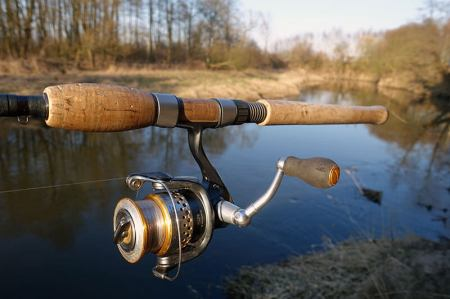dobry sprzęt wędkarski na rzeki